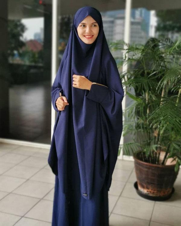 Nadya Almira artis FTV manis pakai Jilbab Cadar Lebar Nadya Almira
