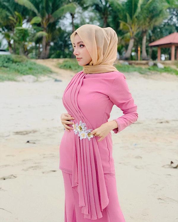 Trend Gaun Hijab seksi dan manis JIlbeb Cantik di kampung