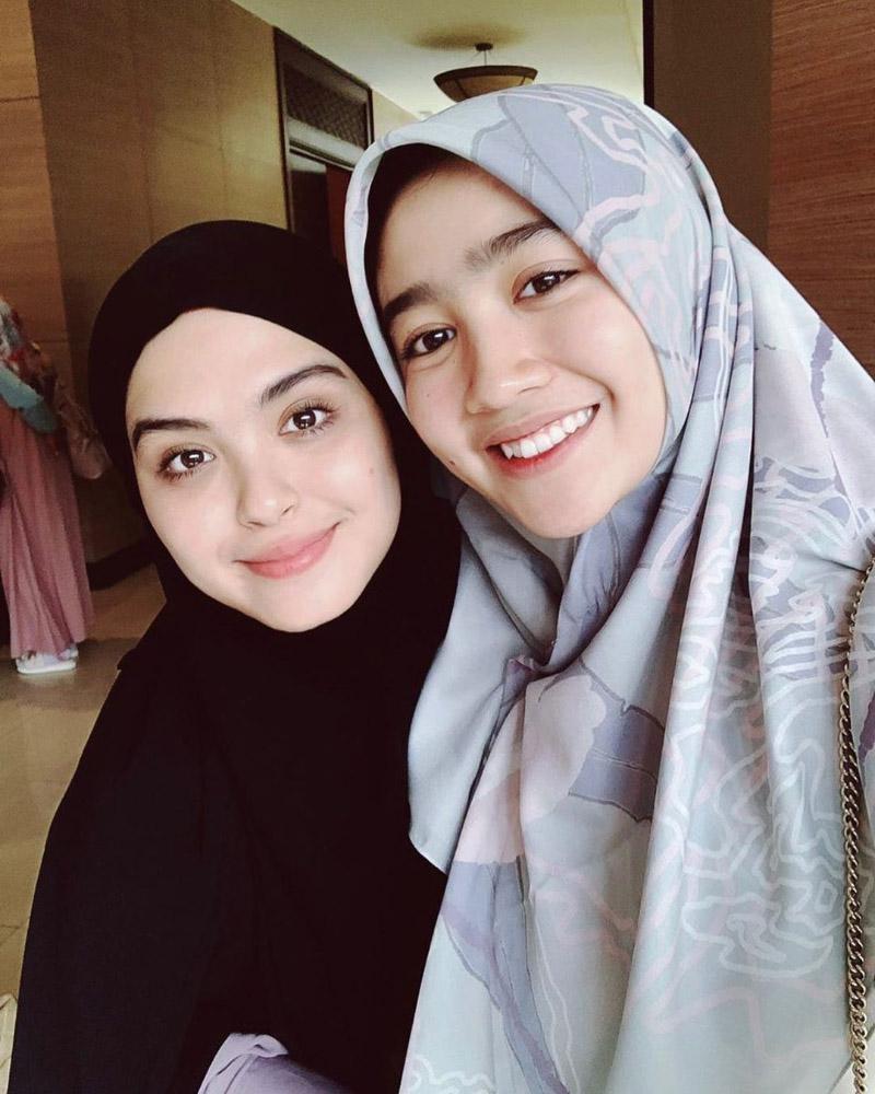 Febby Palwinta Artis FTV Cantik pakai Hijab manis