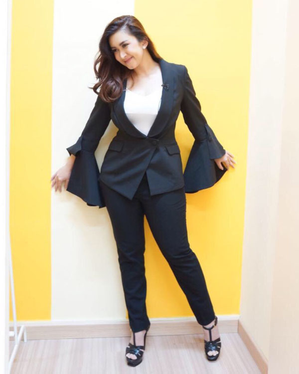 OOTD blazer cantik dan manis Nafa Urbach