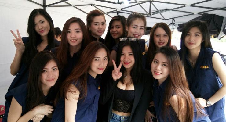 Kumpulan SPG cantik dan seksi Dari Surabaya