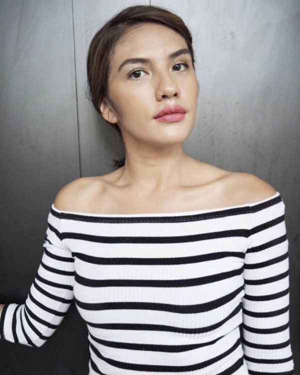 Nadila Ernesta artis FTV paling seksi legenda Nadila Ernesta