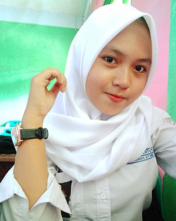 Siswi SMA manis Remaja Abg Cantik dan Imut Hijab