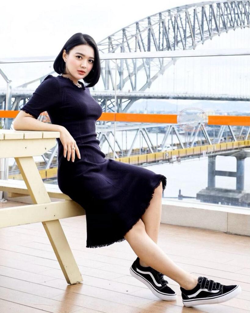 Sexy Black Dress Manis Wika Salim