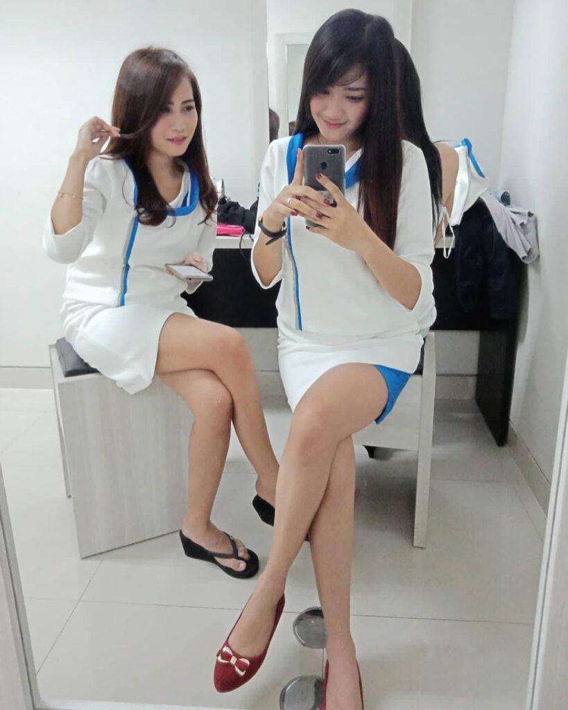 Pakaian Ketat SPG seksi rok Mini paha mulus