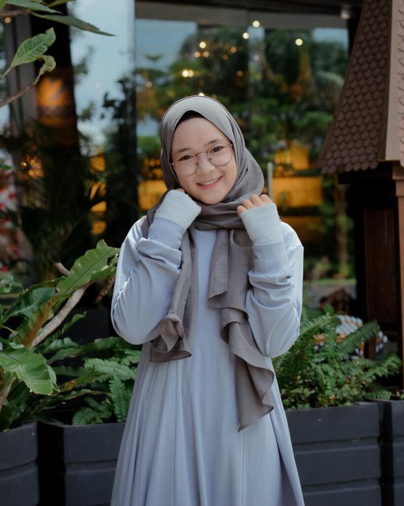 Nissa Sabyan artis cantik hijab manis jadi pelakor