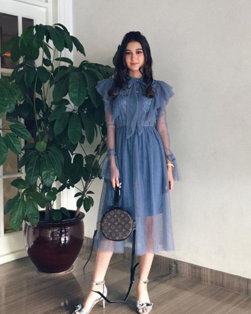 Zoe Abbas Jackson gaun cantik dan manis MIni dress