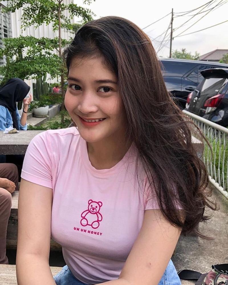 Janda seksi asal Bandung super hot manis Toge