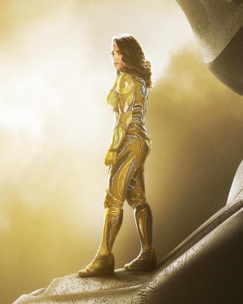 Becky G Power Ranger Kuning