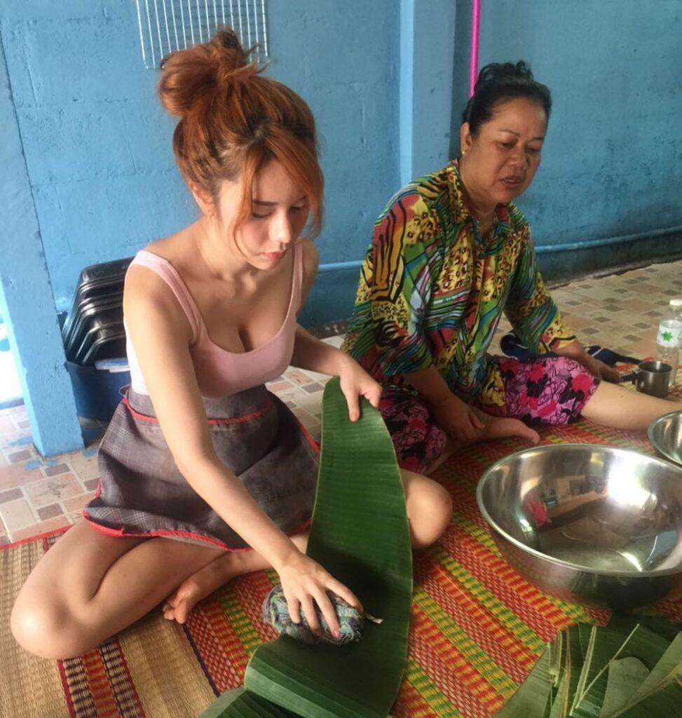 CEwek penjual rujak seksi di thailans