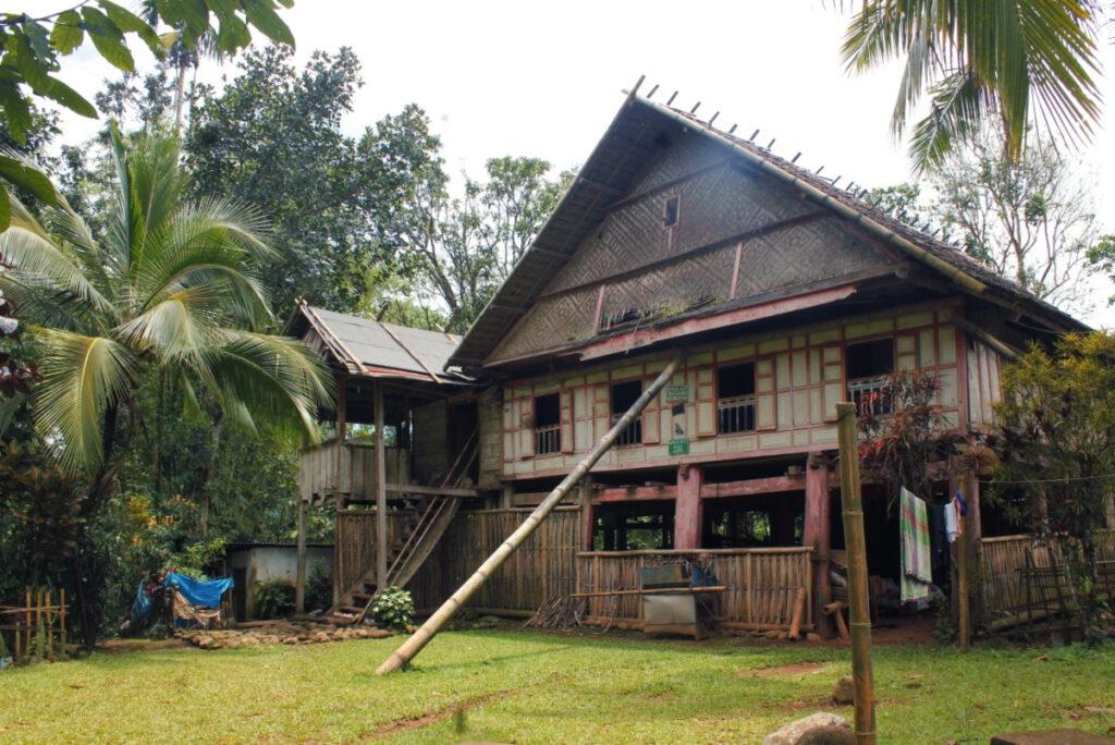 Rumah Poppo dan Parakang